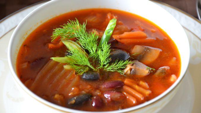 Суп мясной с фасолью