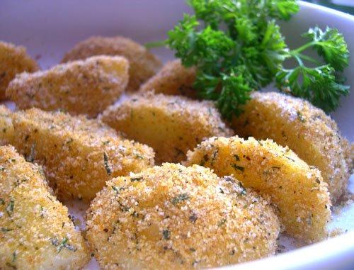 Картофель в сырно-пряной панировке