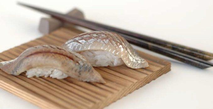 Нигири-суши с сардинами