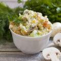 Салат из цыпленка с грибами
