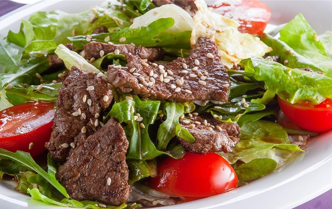 Салат из говядины, свинины и телятины