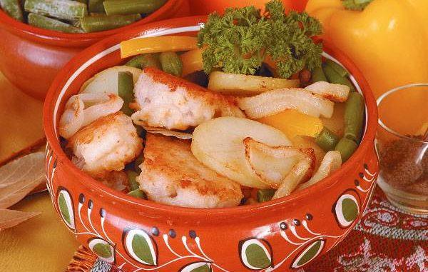 Филе сазана, запеченное с картофелем