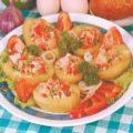 Картофель, фаршированный копченой курицей и сыром