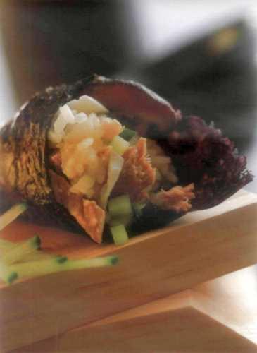 Кулечки темаки с яйцом, картофелем и тунцом