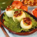 Лук, фаршированный овощами и маслинами
