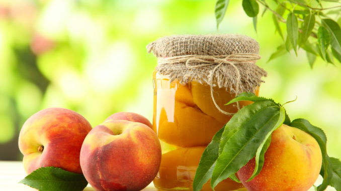 Персики в ванильном сиропе