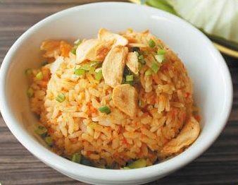 Рис пикантный с чесноком