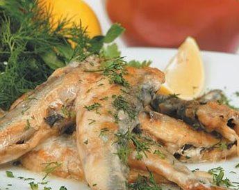 Рыба, тушенная с зеленью