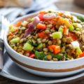 Салат из чечевицы и печеных помидоров
