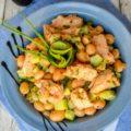 Салат из консервированной горбуши с фасолью и огурцом