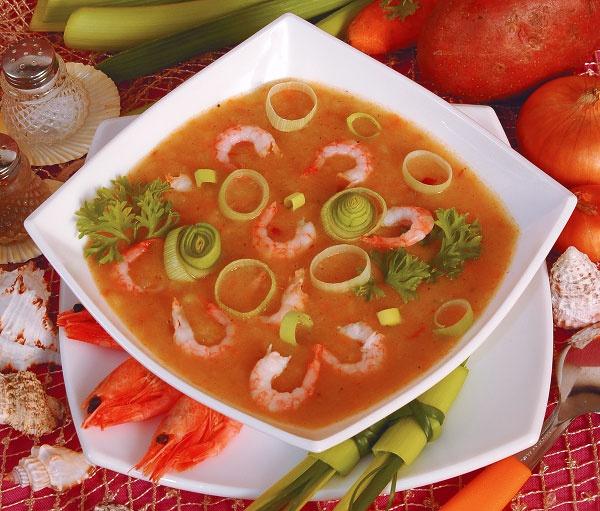 Суп-пюре с креветками и сельдереем