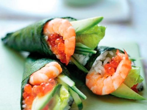 Темаки-суши с креветками и овощами
