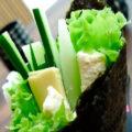 Темаки-суши с молодым сыром и зеленью