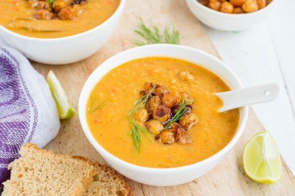 Тыквенный суп-пюре с тимьяном и тыквенными семечками