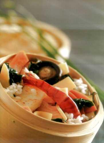 Хираши-суши с рыбой и креветками