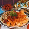 Жареное филе форели с фасолью и грибами