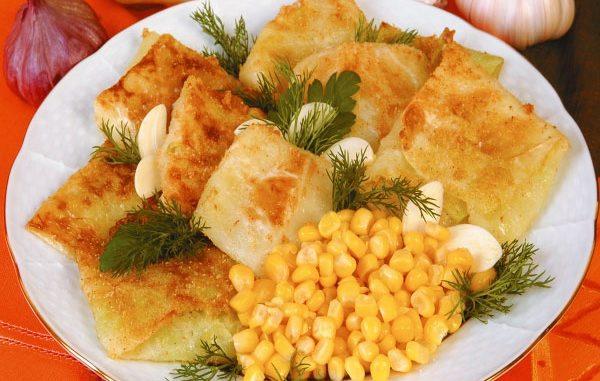Жареные голубцы с кукурузой и чесноком