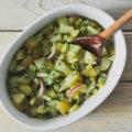 Картофельный салат с авокадо и красным луком