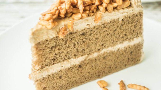 Медовый торт с орехами в мультиварке