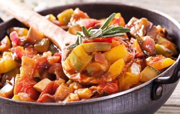 Овощное рагу в прованском стиле