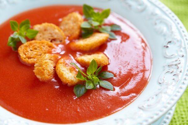 Томатный суп «Панцанелла»