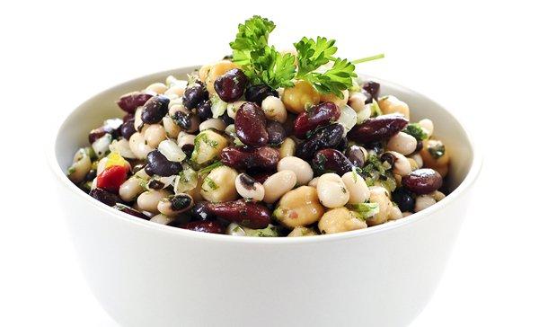 S-bobovymi-Salaty