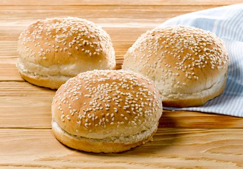 основа для сэндвичей — булочки с кунжутом