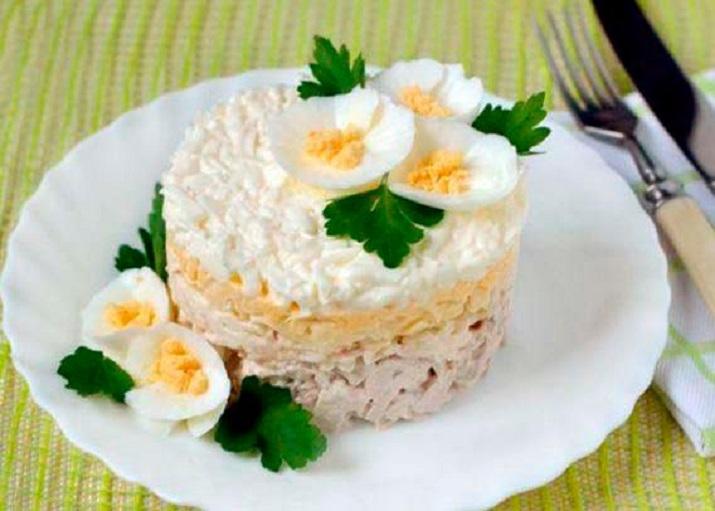 Салат «Нежная курочка» с грибами
