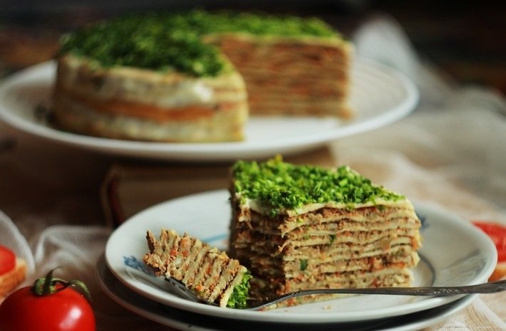 Блинный торт с печенью
