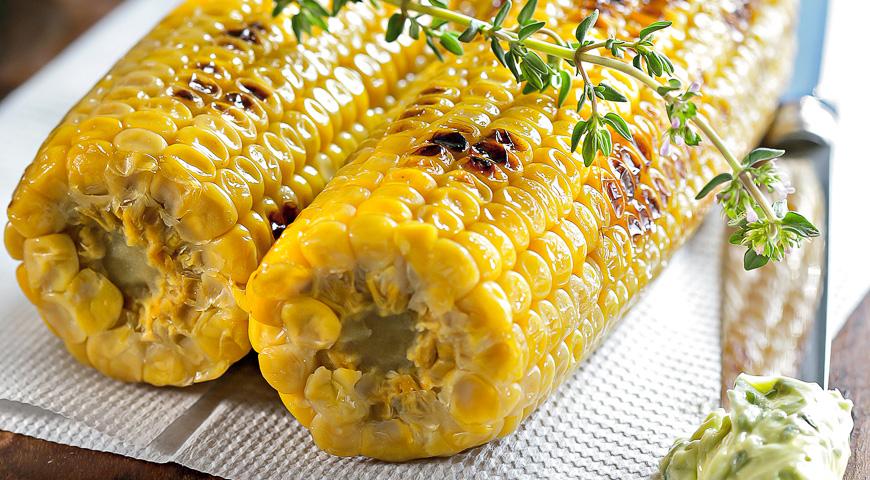 Жареная кукуруза с пряным маслом