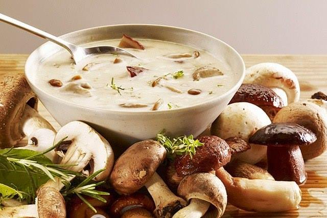 Белые грибы в сметане по-гуцульски