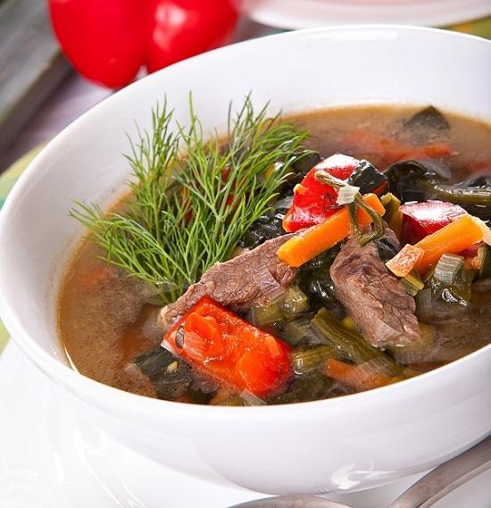 Суп из телятины с имбирём и черемшой