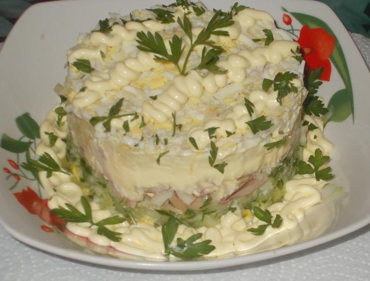Салат со свежим яблоком