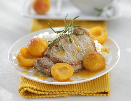 Мясо с абрикосами