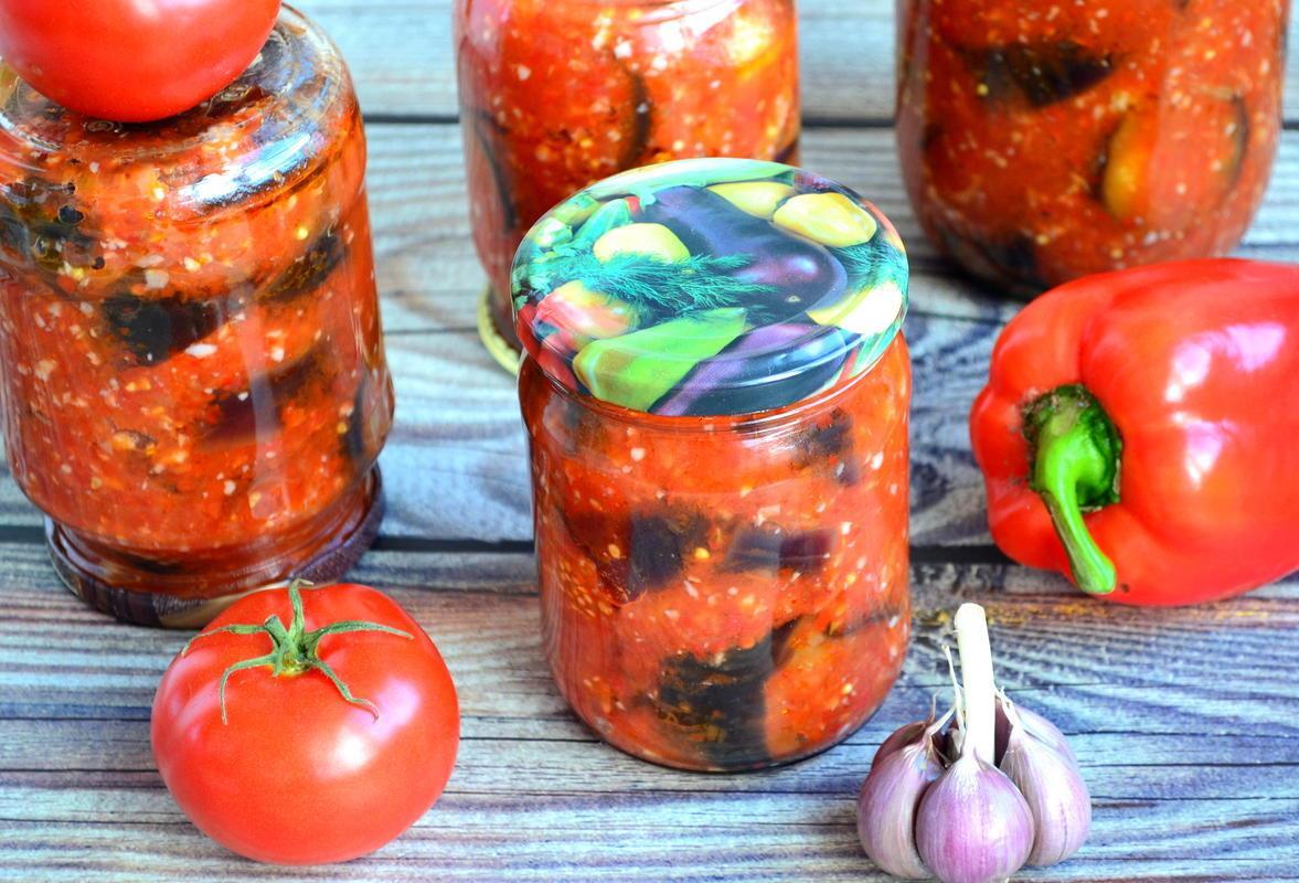 Острые баклажаны в перечно-томатной заливке