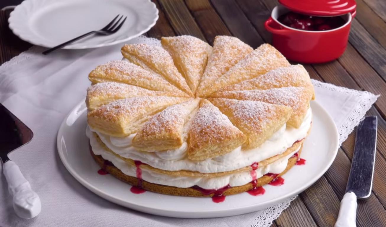 Воздушный торт с вишней