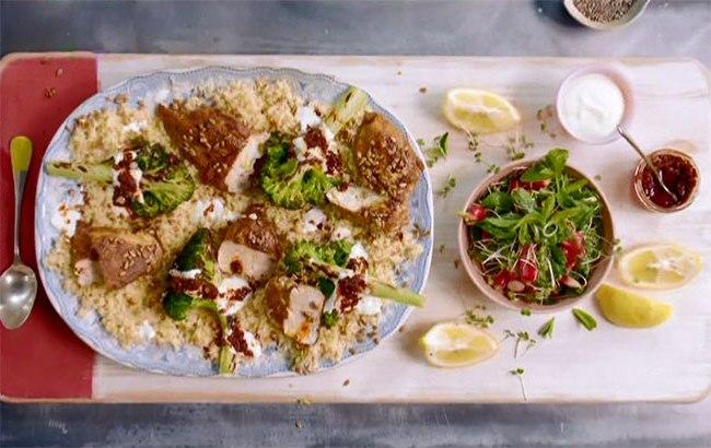 Фрикадельки по-мароккански с тортильями и теплый салат с курицей и брокколи